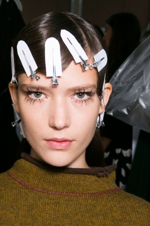 Marni-backstage-beauty-spring-2016-fashion-show-the-impression-019