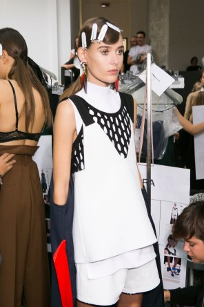 Marni-backstage-beauty-spring-2016-fashion-show-the-impression-029