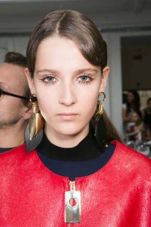 Marni-backstage-beauty-spring-2016-fashion-show-the-impression-035