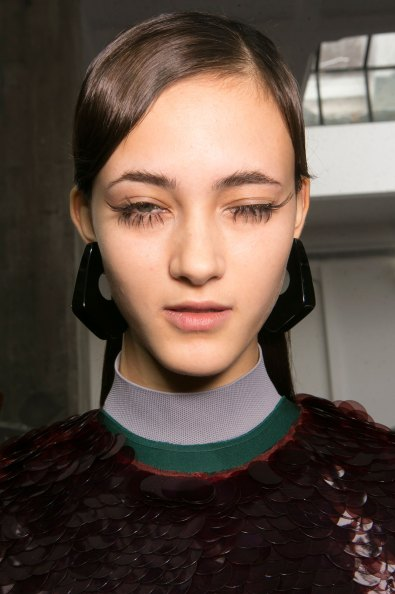 Marni-backstage-beauty-spring-2016-fashion-show-the-impression-063