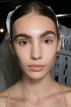 PROENZA-SCHOULER-beauty-spring-2016-fashion-show-the-impression-13