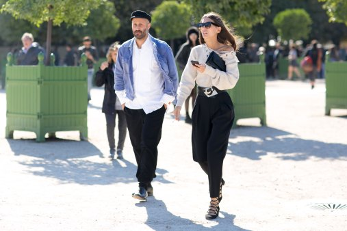 Paris-fashion-week-street-style-day-2-september-2015-the-impression-032