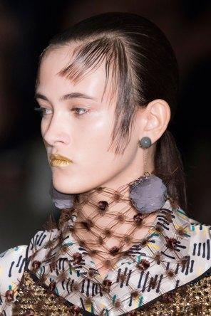 Prada-spring-2016-runway-beauty-fashion-show-the-impression-070
