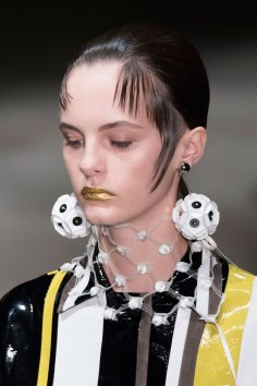 Prada-spring-2016-runway-beauty-fashion-show-the-impression-073