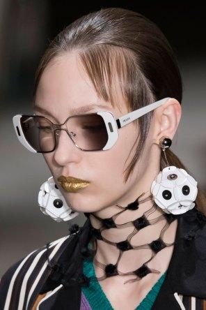 Prada-spring-2016-runway-beauty-fashion-show-the-impression-100