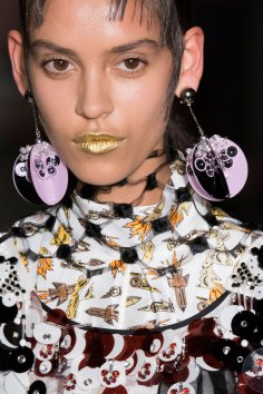 Prada-spring-2016-runway-beauty-fashion-show-the-impression-129