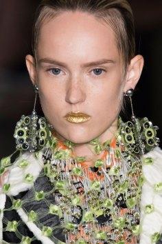 Prada-spring-2016-runway-beauty-fashion-show-the-impression-131