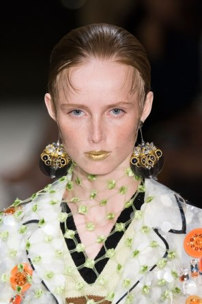 Prada-spring-2016-runway-beauty-fashion-show-the-impression-141