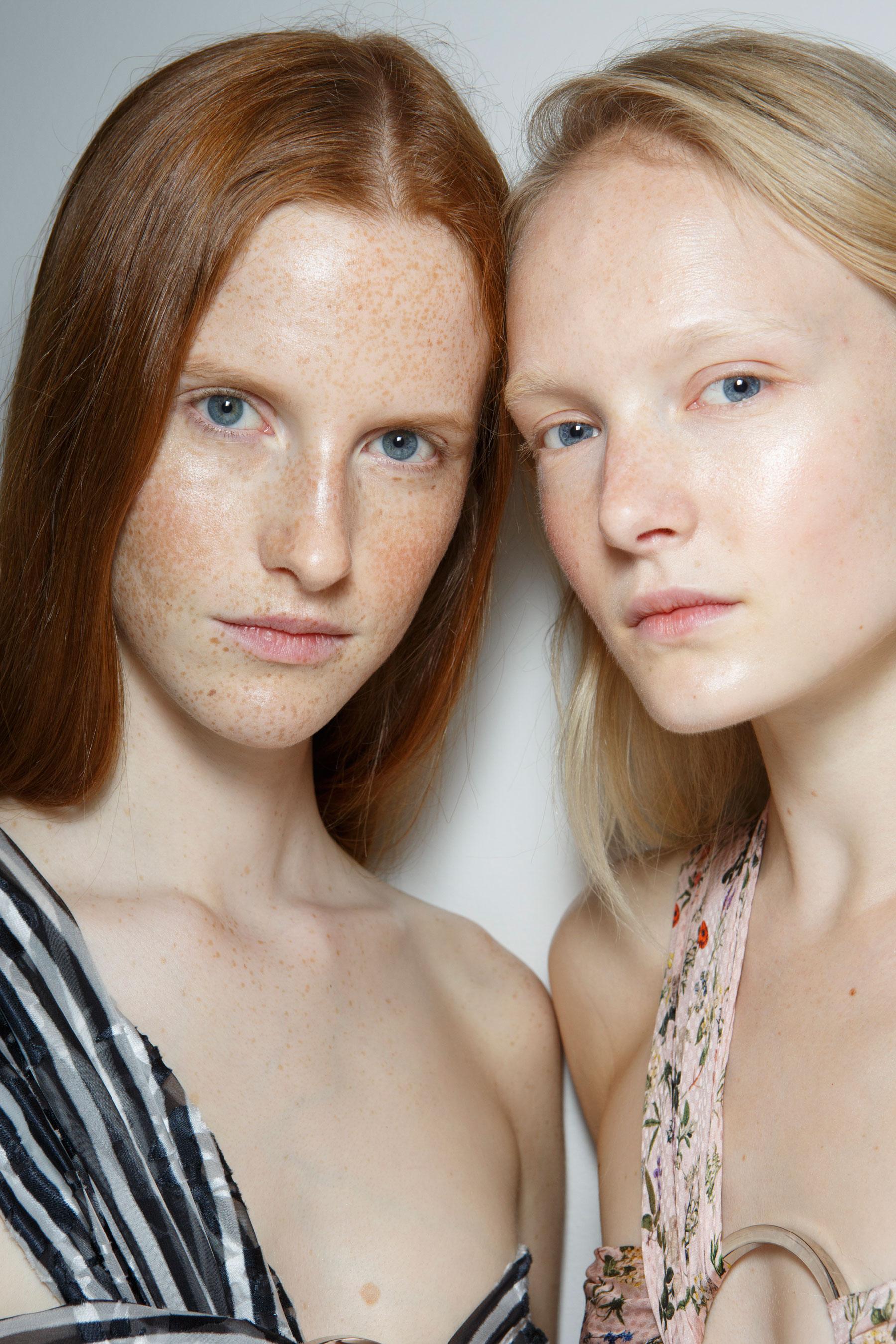 Preen-by-Thornton-Bregazzi-beauty-spring-2016-fashion-show-the-impression-039