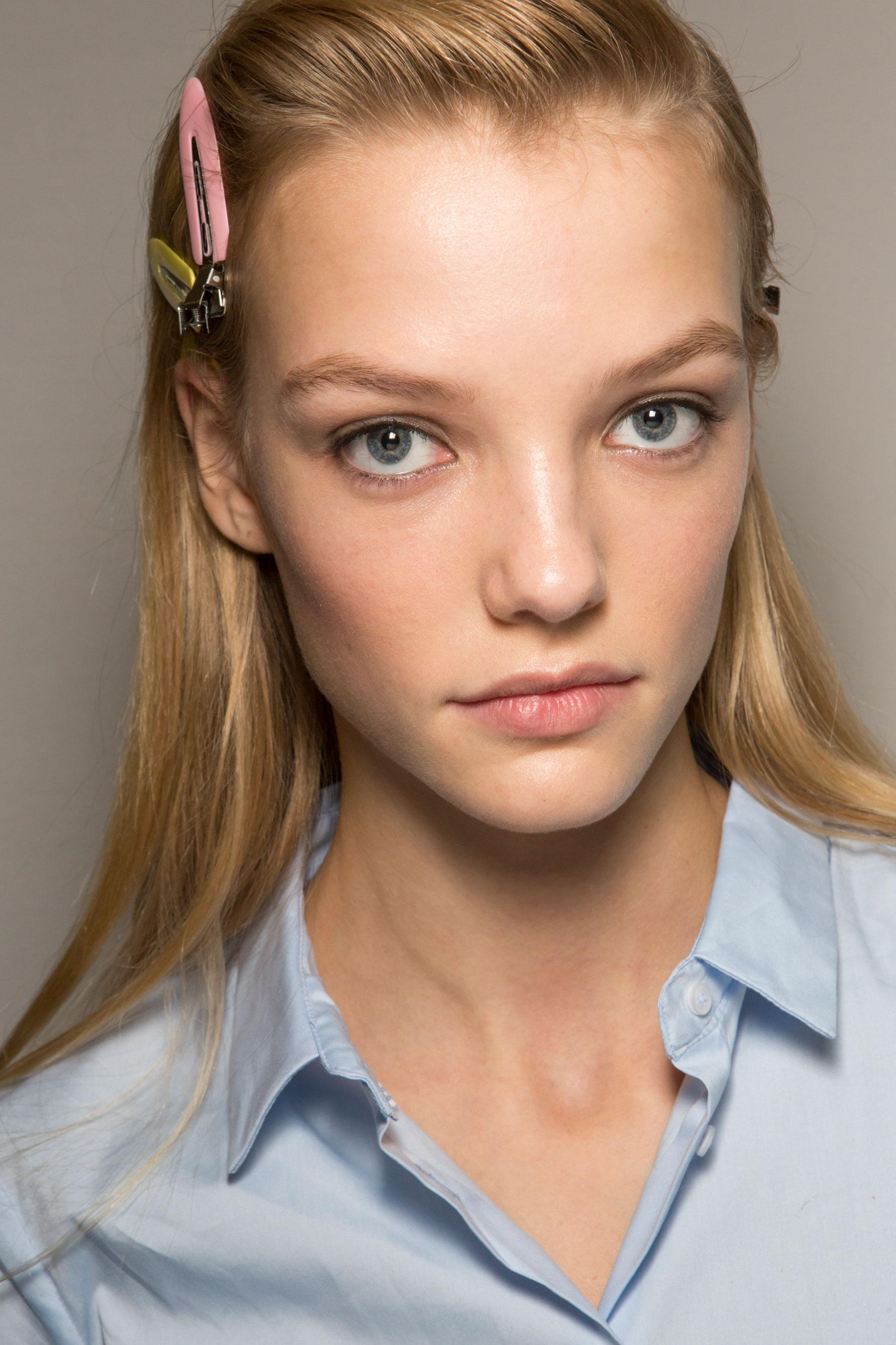 Roberto-Cavalli-Backstage-beauty-spring-2016-close-up-fashion-show-the-impression-080