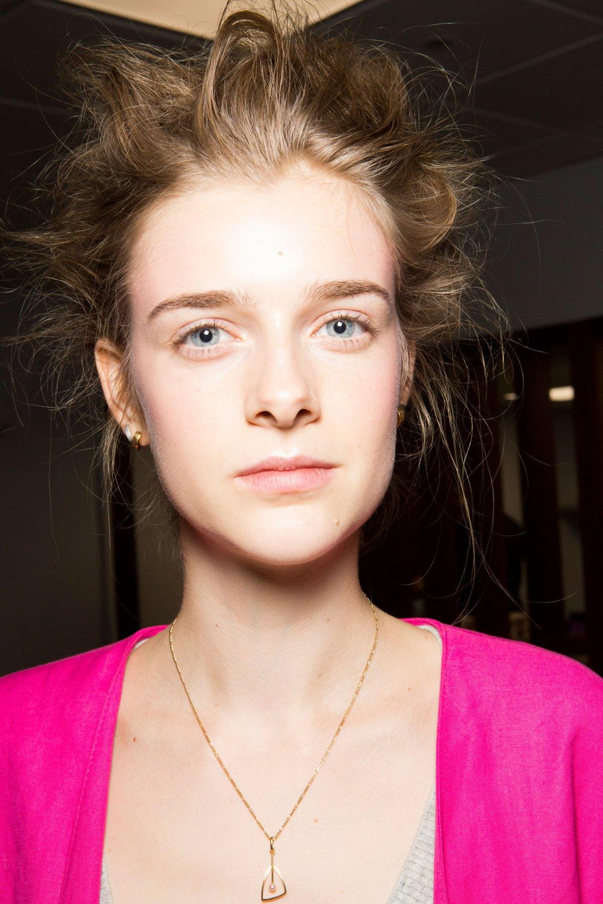 SIMONE-ROCHA-beauty-spring-2016-fashion-show-the-impression-040