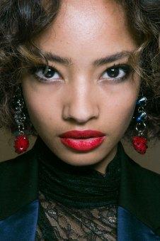 Topshop-Unique-beauty-spring-2016-fashion-show-the-impression-010