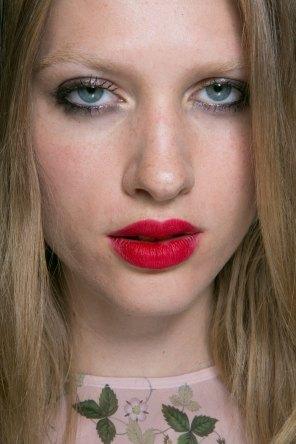 Topshop-Unique-beauty-spring-2016-fashion-show-the-impression-056