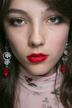 Topshop-Unique-beauty-spring-2016-fashion-show-the-impression-059