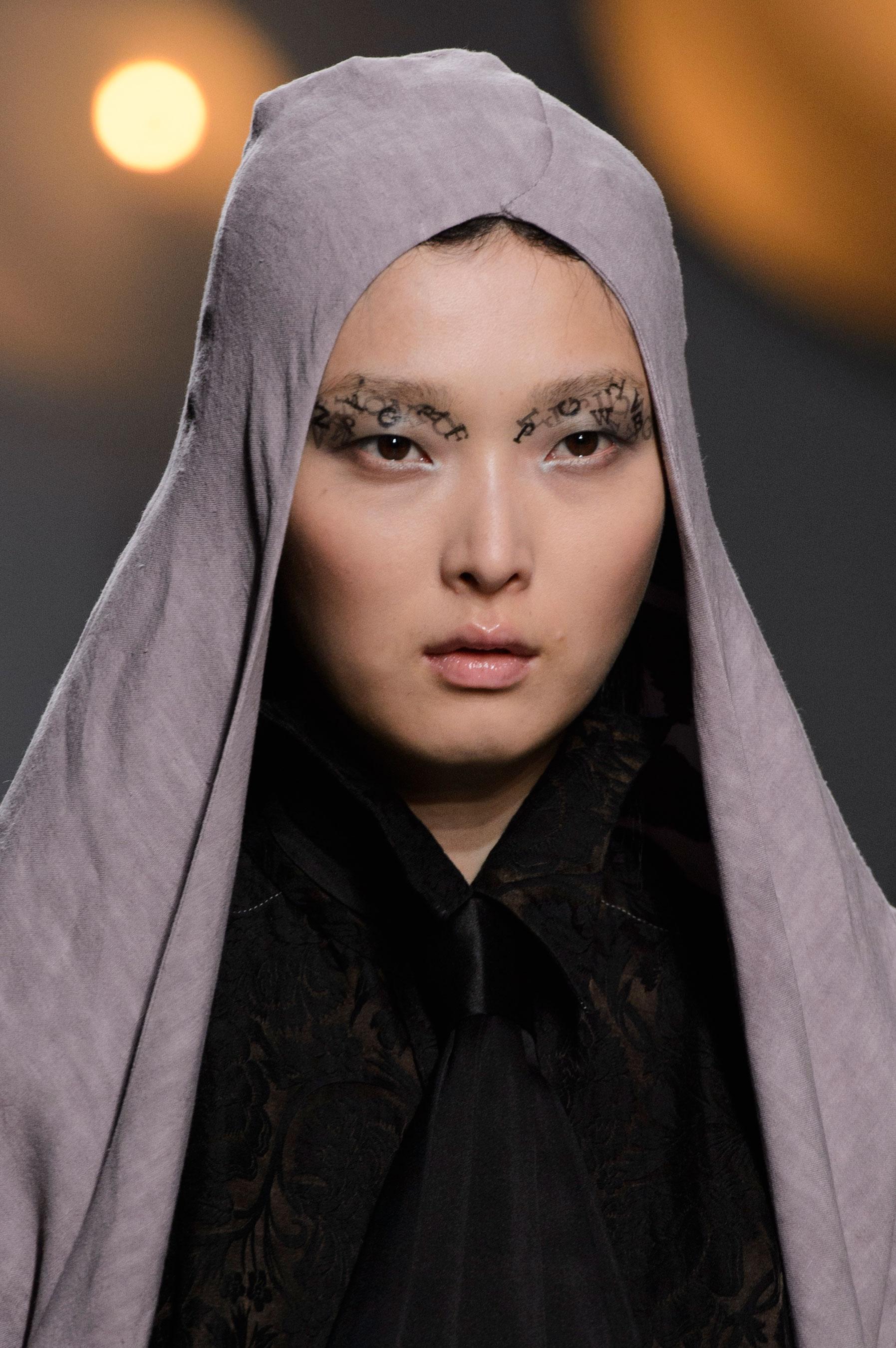 aganovich-spring-2016-runway-beauty-fashion-show-the-impression-27