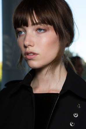 anthony-vaccarello-spring-2016-beauty-fashion-show-the-impression-23