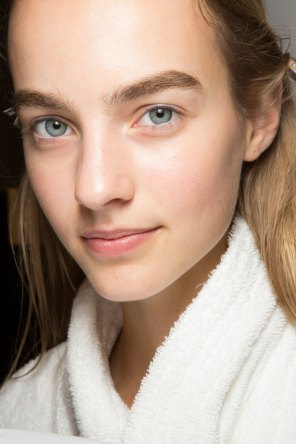 burberry-spring-2016-beauty-fashion-show-the-impression-51