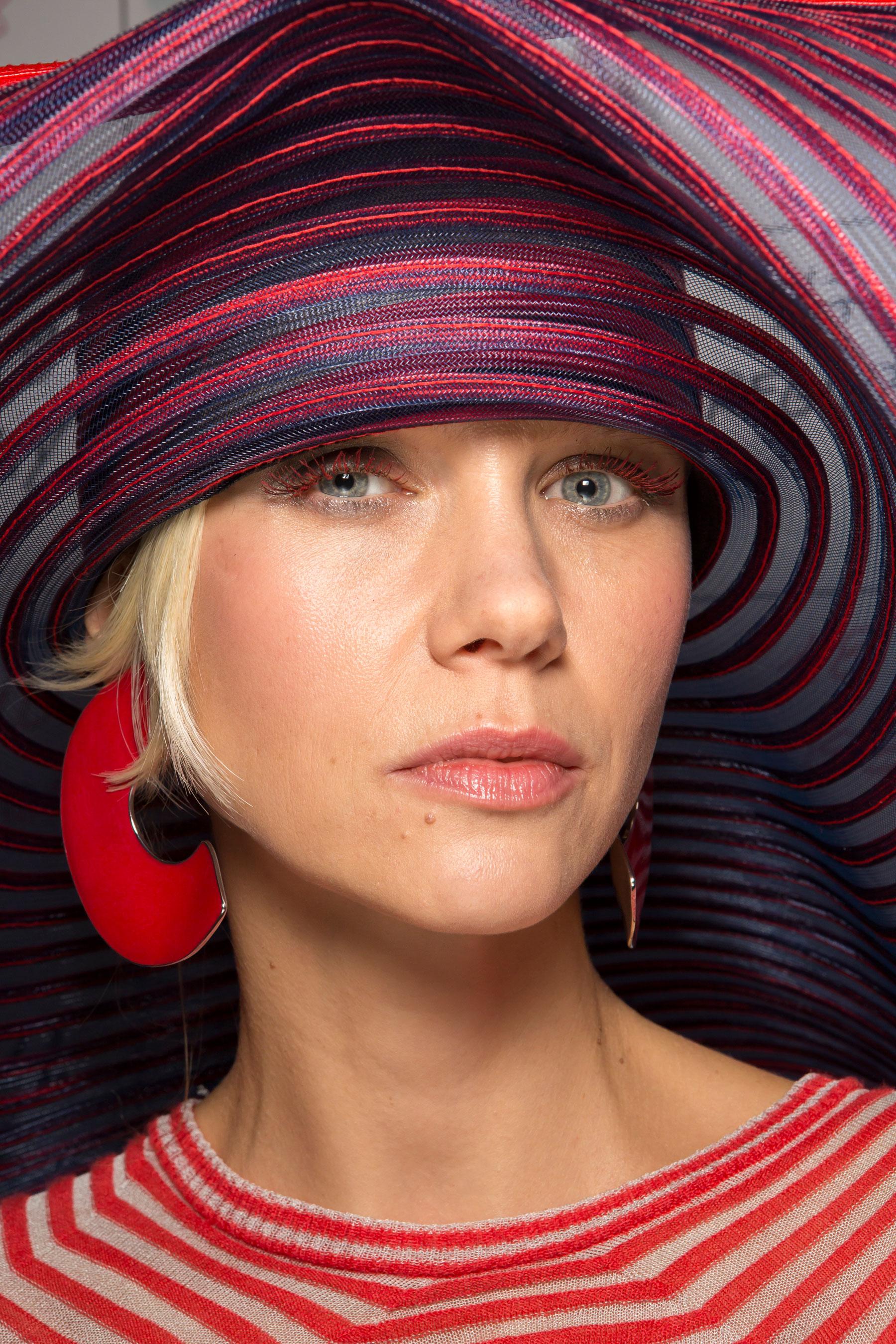 giorgio-armani-spring-2016-beauty-fashion-show-the-impression-05