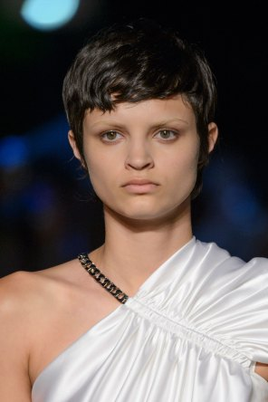 givenchy-runway-beauty-spring-2016-fashion-show-the-impression-07