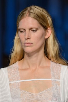 givenchy-runway-beauty-spring-2016-fashion-show-the-impression-32