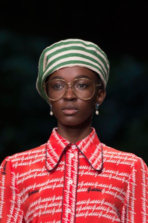 gucci-beauty-spring-2016-fashion-show-the-impression-008