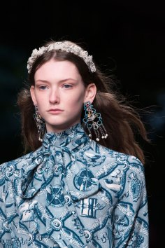 gucci-beauty-spring-2016-fashion-show-the-impression-015