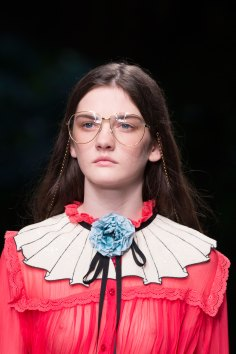 gucci-beauty-spring-2016-fashion-show-the-impression-032