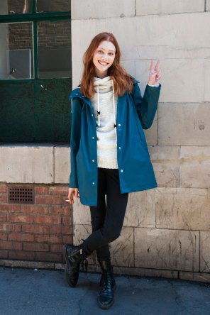 london-fashion-week-street-style-day-2-spring-2016-fashion-show-the-impression-006
