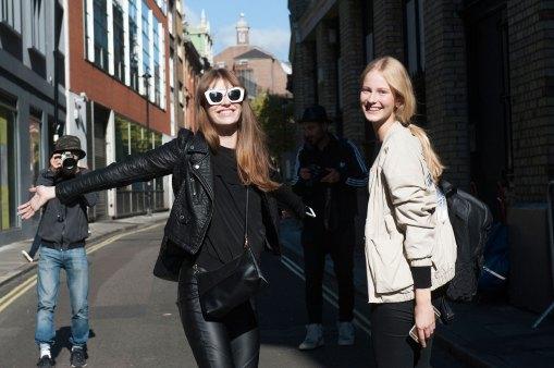 london-fashion-week-street-style-day-2-spring-2016-fashion-show-the-impression-011