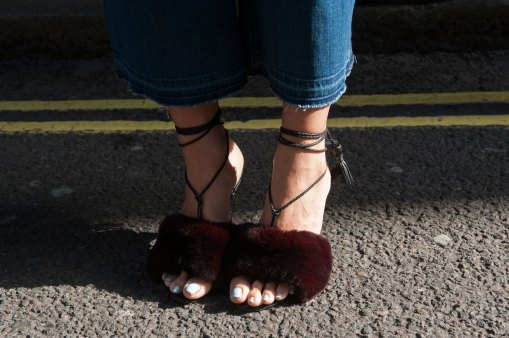 london-fashion-week-street-style-day-2-spring-2016-fashion-show-the-impression-056