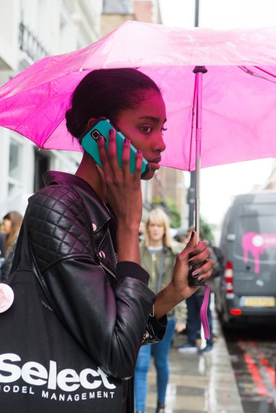 london-fashion-week-street-style-day-5-spring-2016-fashion-show-the-impression-016