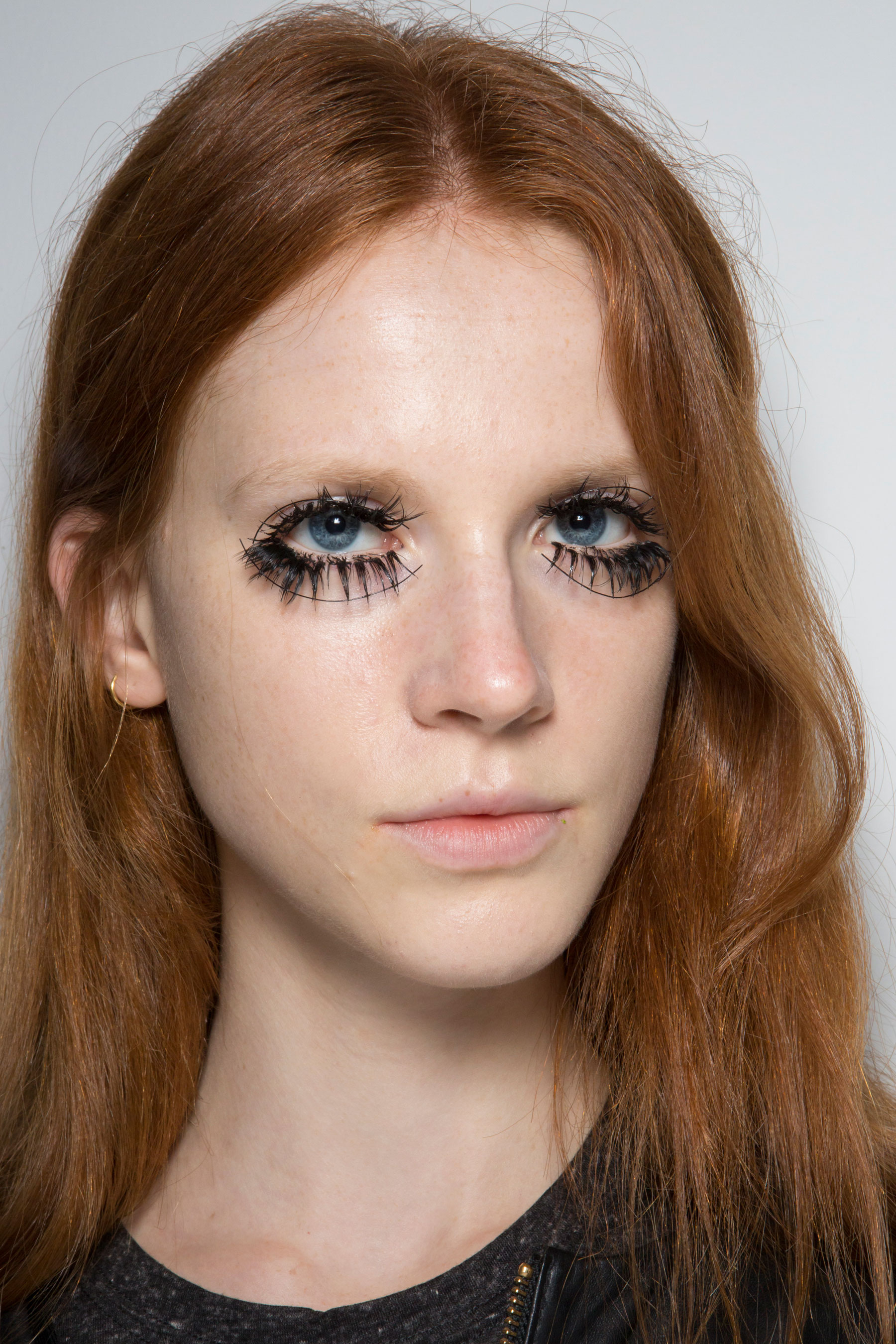 thomas-tait-spring-2016-beauty-fashion-show-the-impression-08