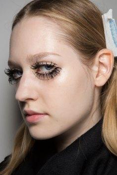 thomas-tait-spring-2016-beauty-fashion-show-the-impression-18