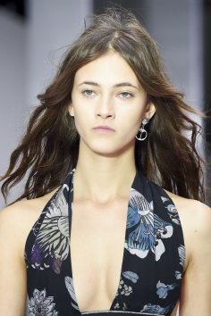 versus-runway-beauty-spring-2016-fashion-show-the-impression-025