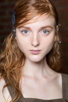 wes-gordon-backstage-beauty-spring-2016-fashion-show-the-impression-15