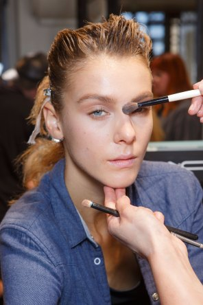 Ann-Demeulemeester-spring-2016-beauty-fashion-show-the-impression-01