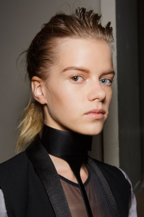 Ann-Demeulemeester-spring-2016-beauty-fashion-show-the-impression-15