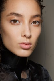 Ann-Demeulemeester-spring-2016-beauty-fashion-show-the-impression-18