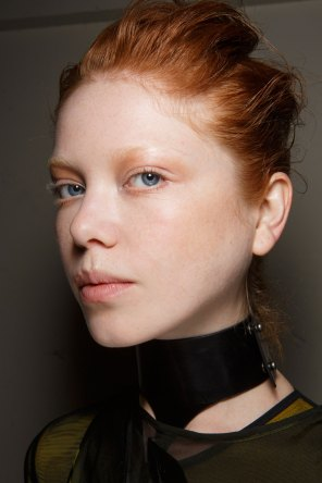 Ann-Demeulemeester-spring-2016-beauty-fashion-show-the-impression-22