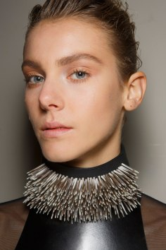 Ann-Demeulemeester-spring-2016-beauty-fashion-show-the-impression-32
