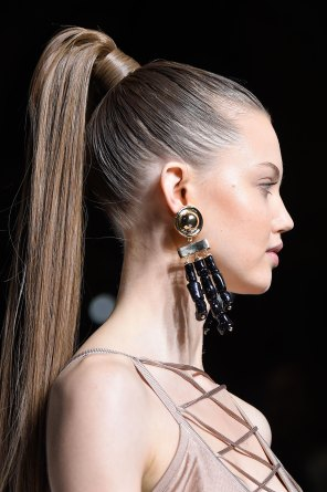 Balmain-spring-2016-runway-beauty-fashion-show-the-impression-44