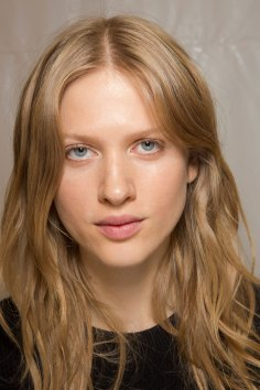 Carven-spring-2016-beauty-fashion-show-the-impression-30