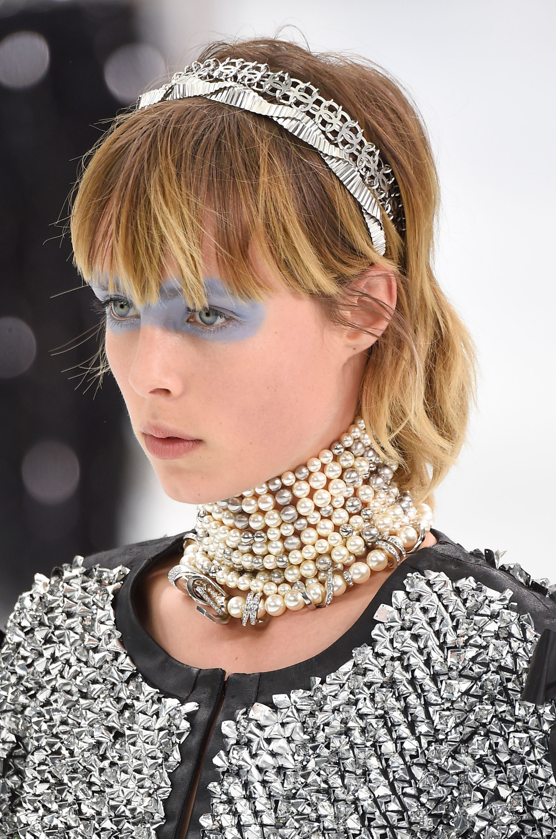 Chanel-spring-2016-runway-beauty-fashion-show-the-impression-18