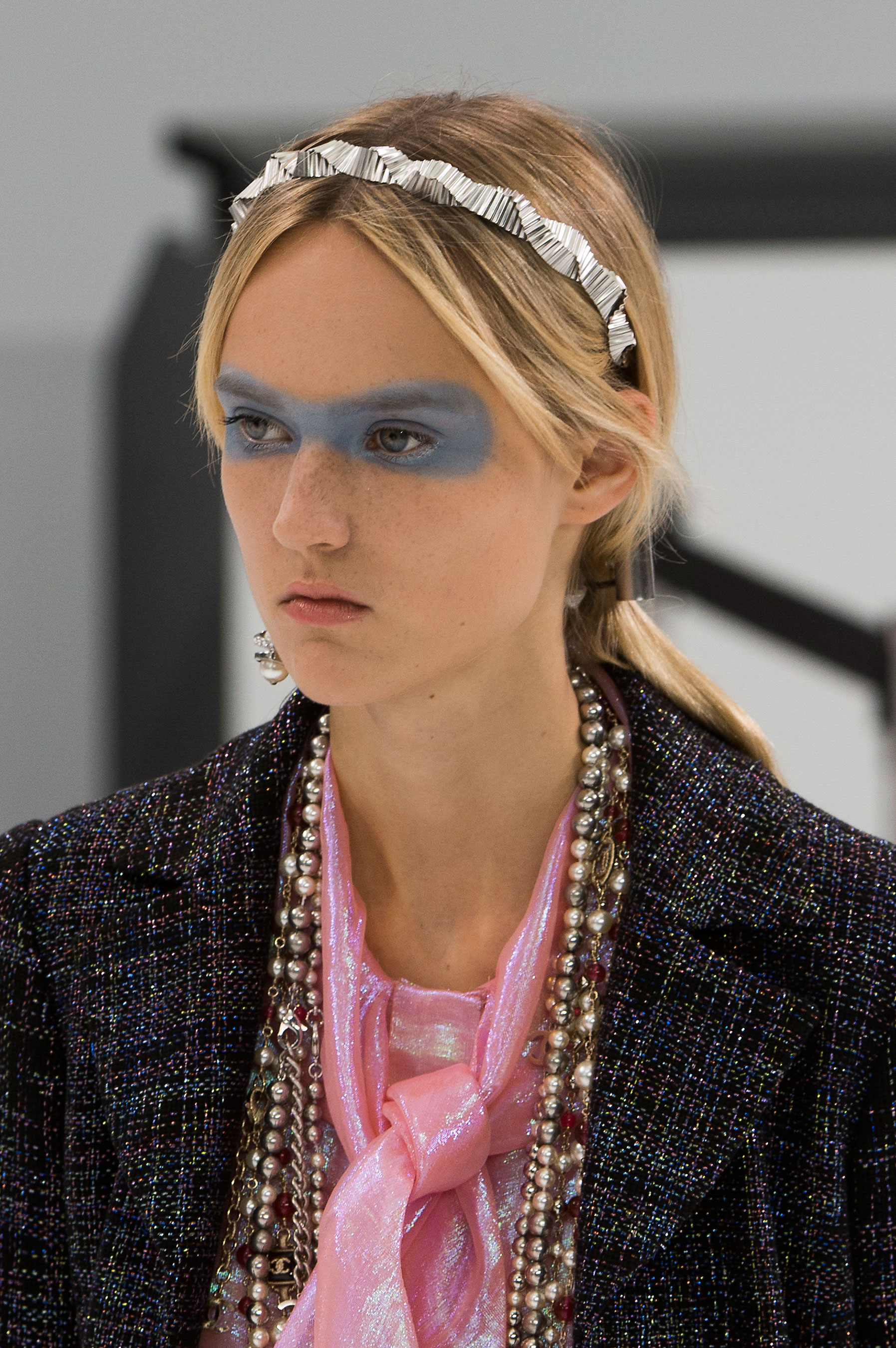 Chanel-spring-2016-runway-beauty-fashion-show-the-impression-35