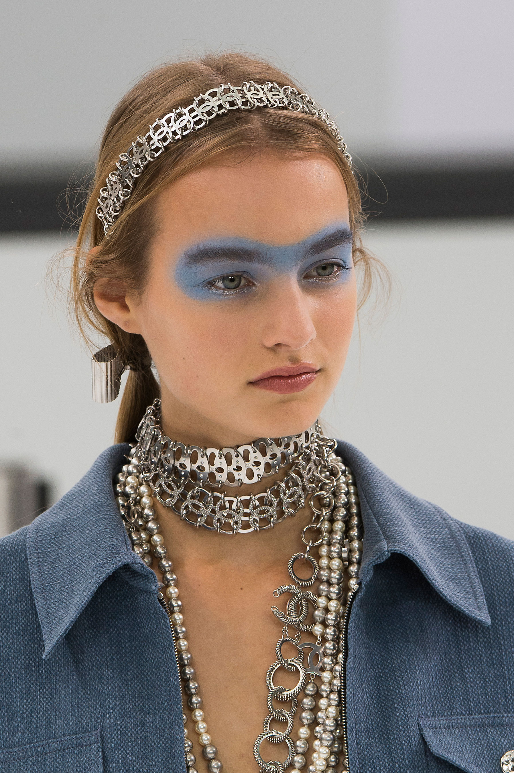 Chanel-spring-2016-runway-beauty-fashion-show-the-impression-43