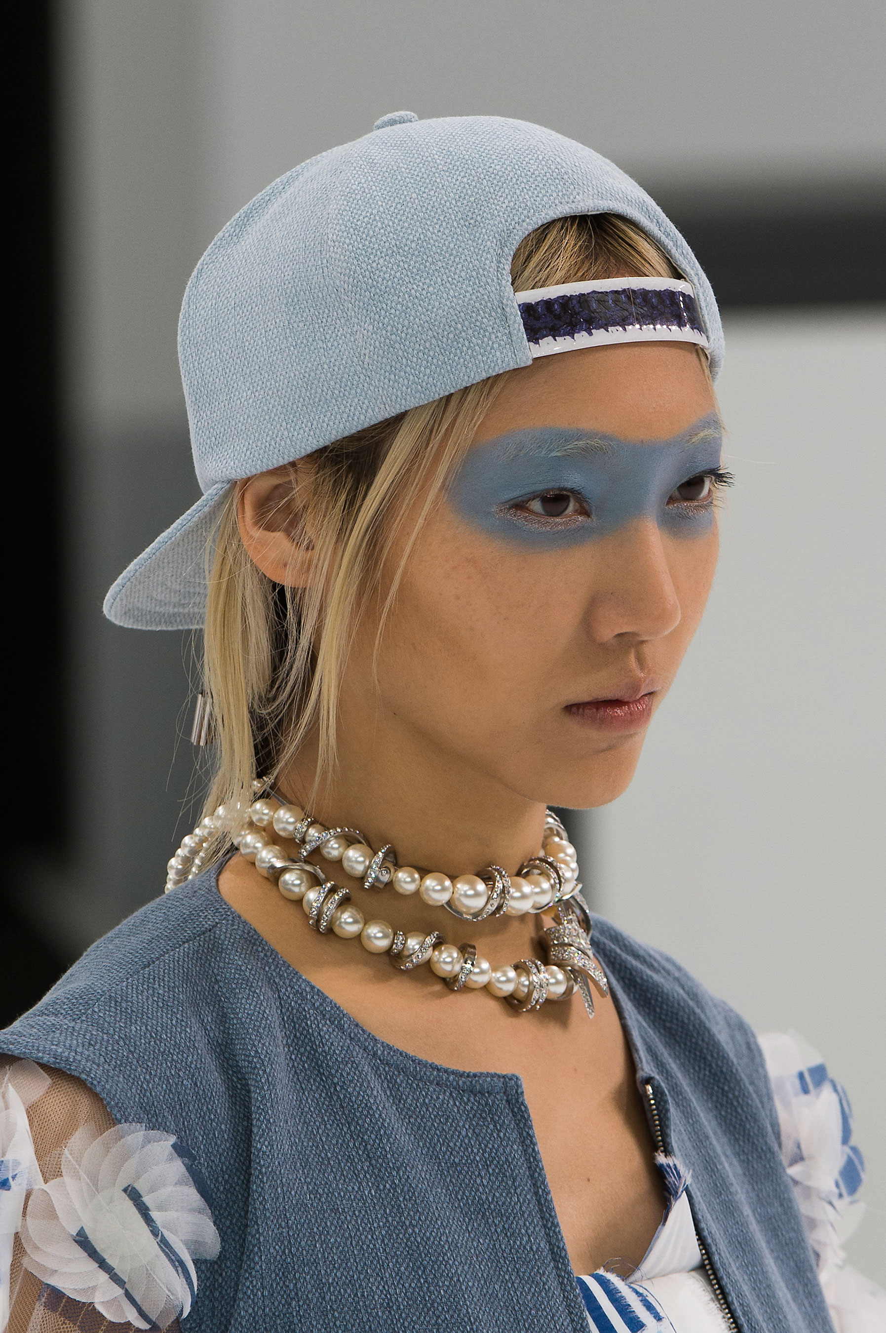 Chanel-spring-2016-runway-beauty-fashion-show-the-impression-46