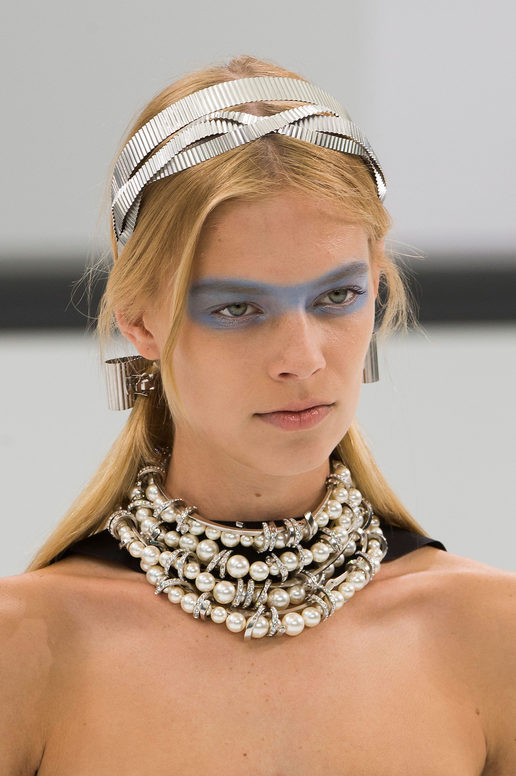 Chanel-spring-2016-runway-beauty-fashion-show-the-impression-48