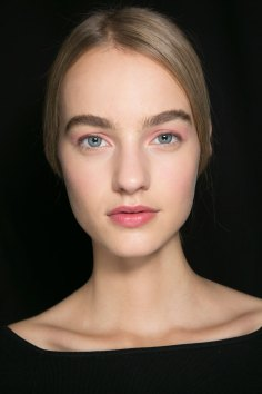 Dior-backstage-beauty-spring-2016-fashion-show-the-impression-024