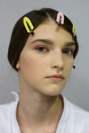 Dior-backstage-beauty-spring-2016-fashion-show-the-impression-063