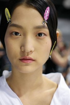 Dior-backstage-beauty-spring-2016-fashion-show-the-impression-080